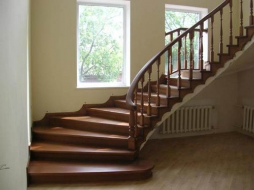 правильно выбрать вид дерева для лестницы