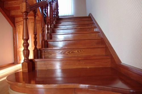 эксплуатация деревянных лестниц
