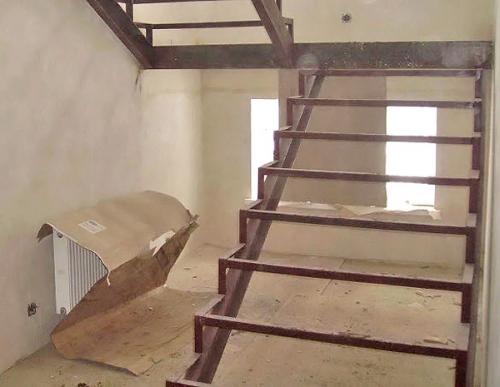 самостоятельно сделать лестницу в доме
