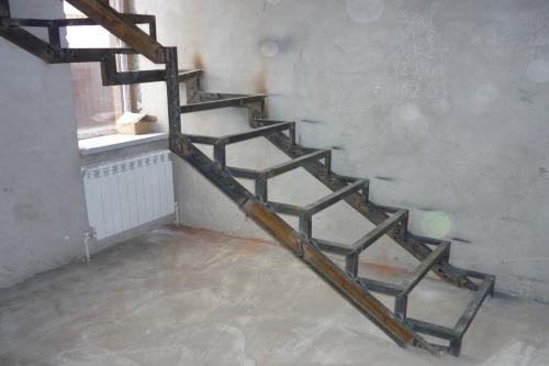 лестница из металла по чертежу