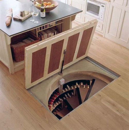 лестница в подвал из дома