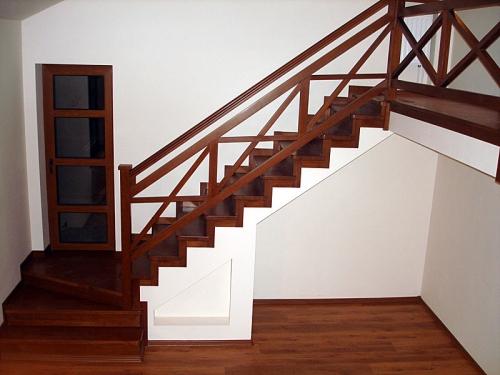 перила для деревянной лестницы