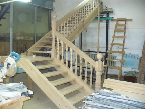 расчет лестницы с площадкой на 90