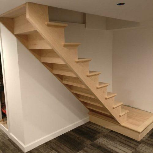 Деревянные лестницы из массива